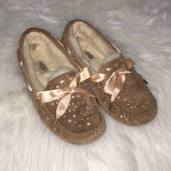 c46ee5b4726 UGG Dakota Sunshine Perf Slipper